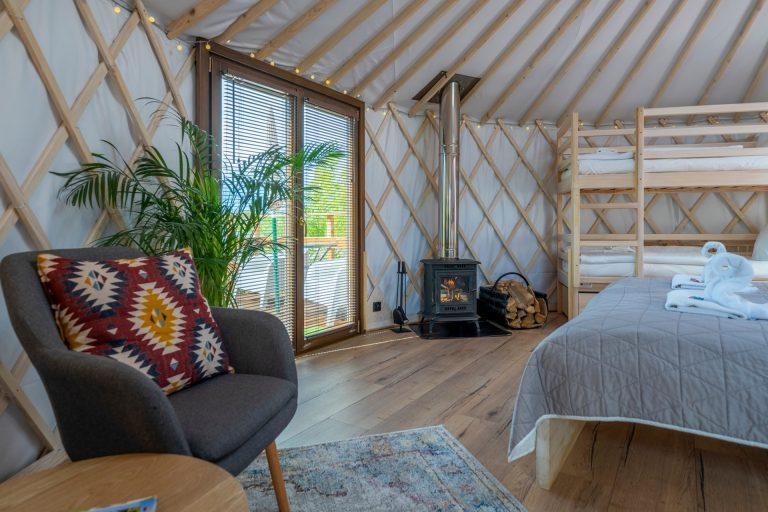 Izera Glamping - Luksusowe jurty w górach Izerskich - czerwona (20)