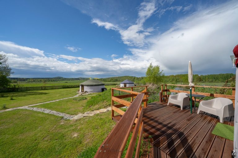 Izera Glamping - Luksusowe jurty w górach Izerskich - czerwona (25)