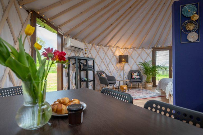 Izera Glamping - Luksusowe jurty w górach Izerskich - niebieska (2)