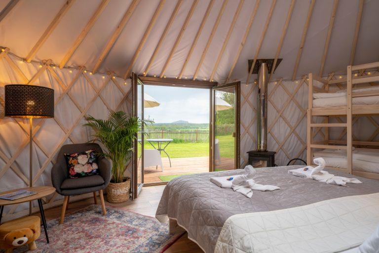 Izera Glamping - Luksusowe jurty w górach Izerskich - niebieska (21)