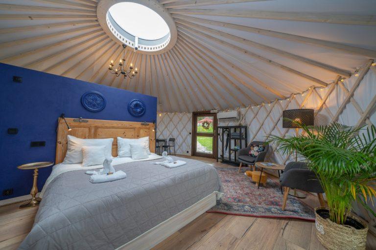 Izera Glamping - Luksusowe jurty w górach Izerskich - niebieska (4)