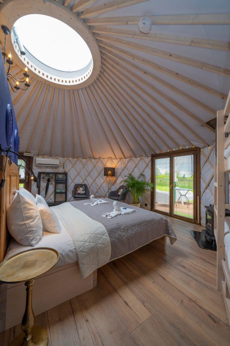 Izera Glamping - Luksusowe jurty w górach Izerskich - niebieska (6)