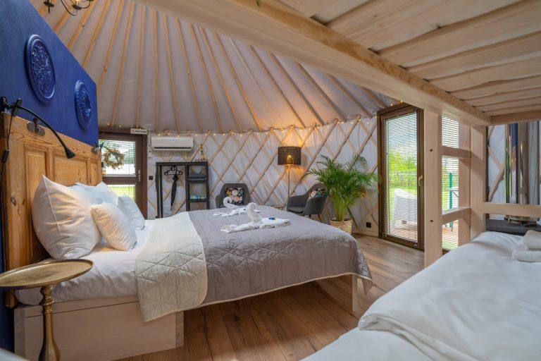 Izera Glamping - Luksusowe jurty w górach Izerskich - niebieska (8)